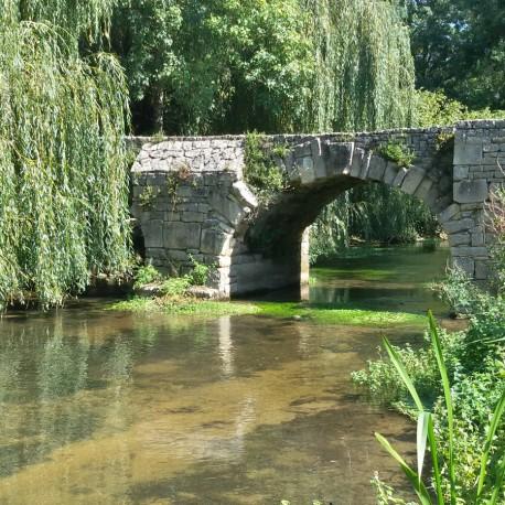 Vernoux-sur-Boutonne - La fontaine de Foucambert