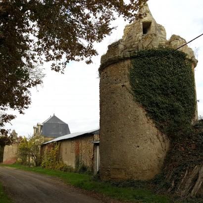 Saint-Léger-de-Montbrun - château de Beauvais