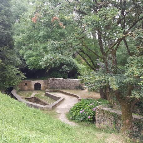 Champdeniers lavoir de la Grande Fontaine et rivière souterraine