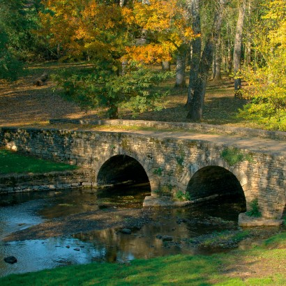 Azay-le-Brûlé - Le pont romain / Les légendes oubliées du val de Sèvre au pont romain