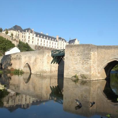Thouars - La promenade des remparts